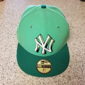 New York Yankees New Era Fitted Hat 7 5/8